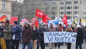 Demonstration bei der Münchener Sicherheitskonferenz 2014. Foto: ICBUW Deutschland